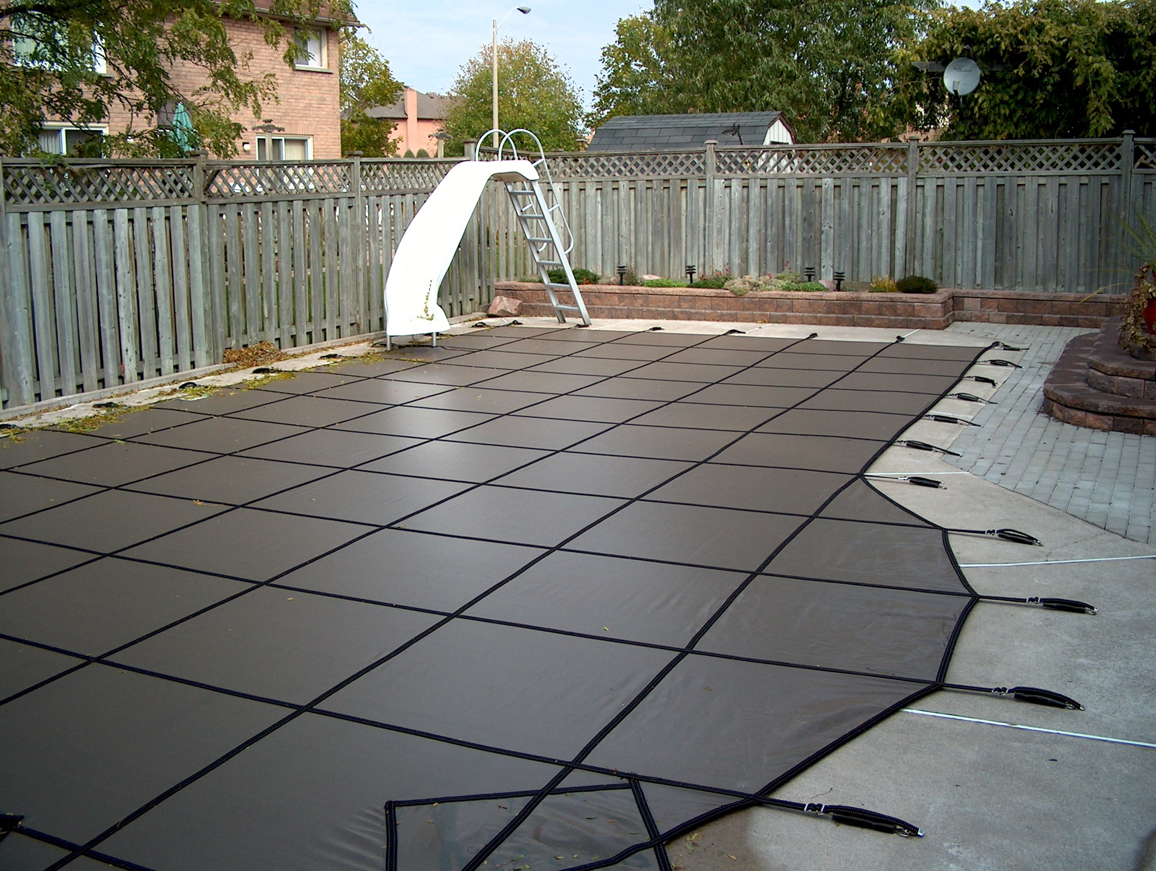 Swimming pool safety covers hard covers pickering ajax - Crystal clear pool service ...
